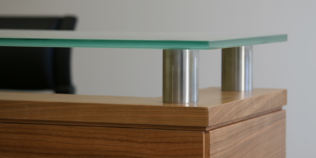 Cherry-reception-desk-with-glass-counter_WEB