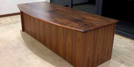 Executive desk in Burr walnut 2