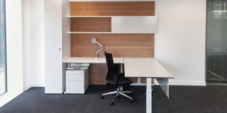 HK Executive Workwall with sit stand desk with storage